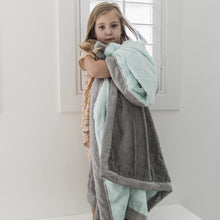 Load image into Gallery viewer, Saranoni Lush Toddler to Teen Blanket - Mint