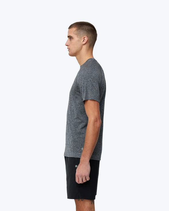 Knit Seamless Training Shirt - Charcoal