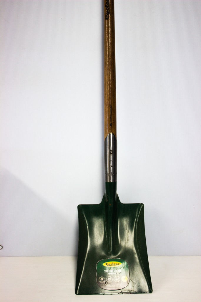 SQUARE MOUTH SHOVEL (LONG TIMBER HANDLE)