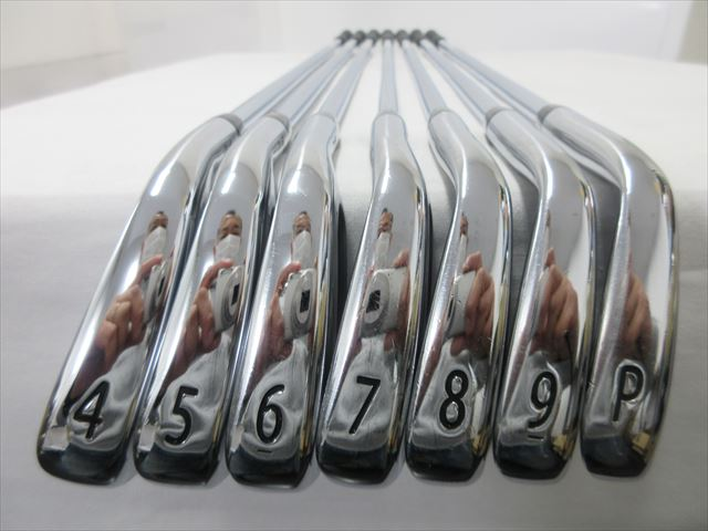 Titleist Iron Set Titleist AP2 718 Stiff AMT TOUR WHITE (7 pieces)