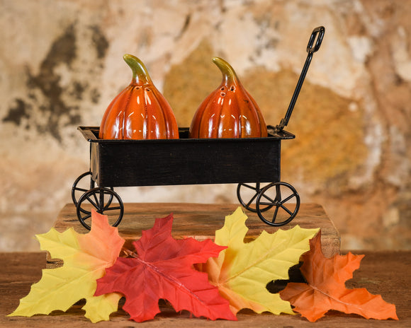 Salt & Pepper Shaker Set - Pumpkin in Wagon