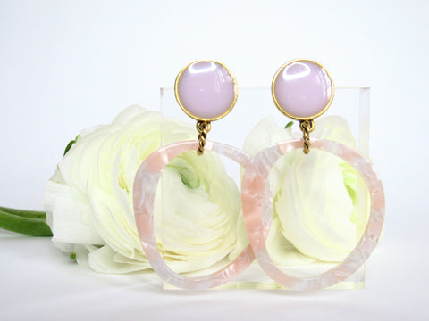 photo of Georgia drop earring from Leo and Lynn Jewelry peach and blush statement earring handmade resin and acrylic jewelry casual style spring style Easter pastels