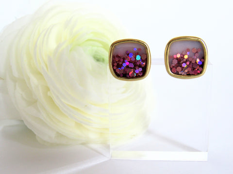 Elsie stud earring spring edition from Leo and Lynn Jewelry handmade resin jewelry square stud classic shape rose holo glitter ombre blush pink spring style casual style limited edition