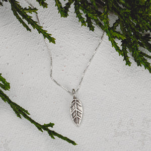Tiny Silver Fiscus Leaf Necklace