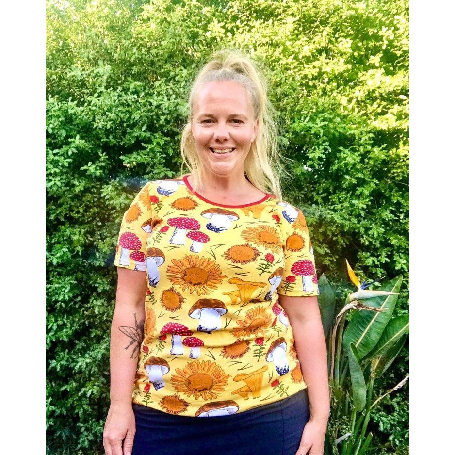 Duns Sweden - ADULT Sunflowers and Mushrooms Sunshine Yellow| Short Sleeve Top
