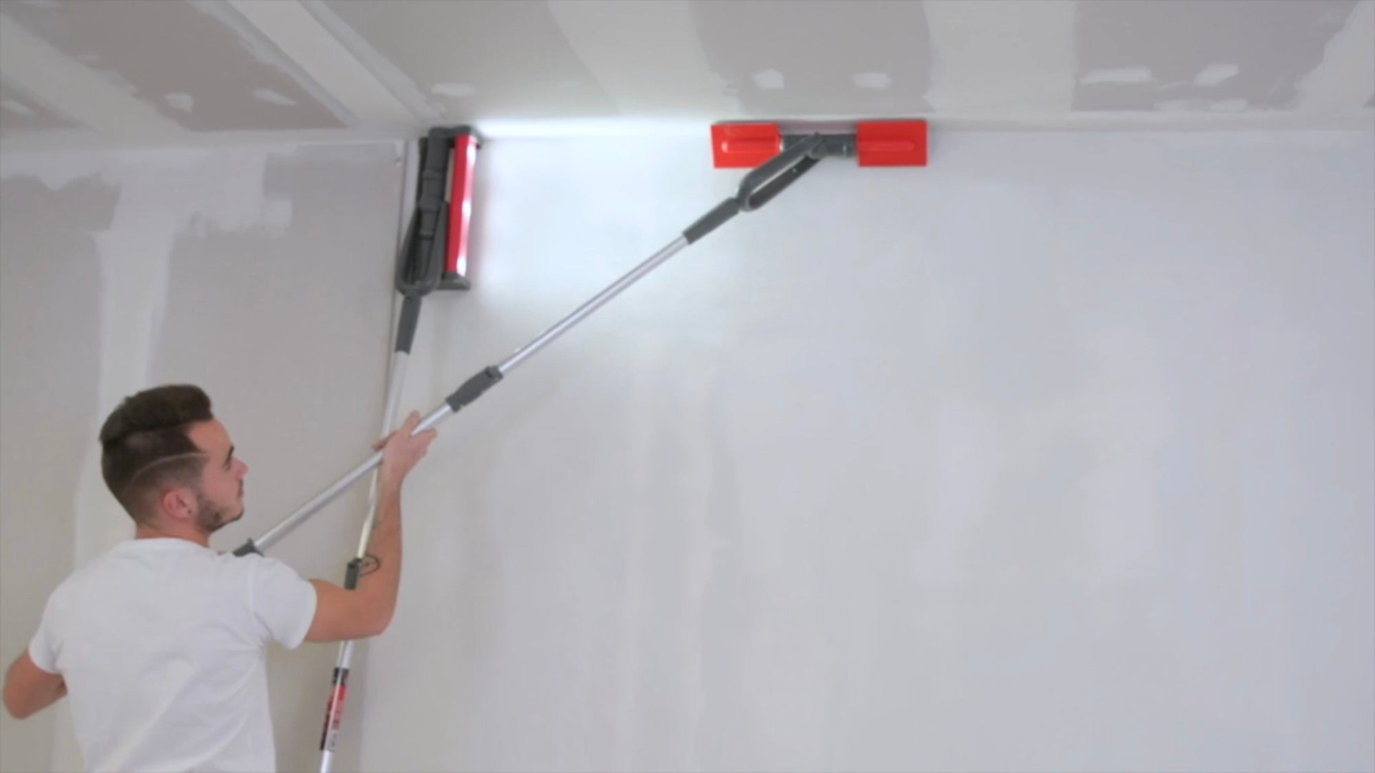 Dustless Corner Vacuum Sander with Extension Pole