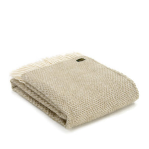 Tweedmills Pure Wool Throw in oatmeal beehive pattern