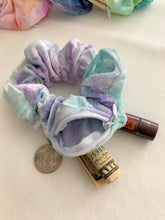 Load image into Gallery viewer, Magic Velvet Hidden Zipper Pocket Scrunchie
