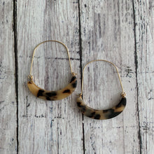 Load image into Gallery viewer, Half Moon Hoop Earrings