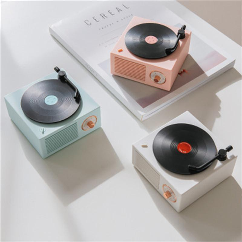 (50% OFF+FREE SHIPPING!--LAST TWO DAYS!)Mini retro record player vintage card bluetooth speaker