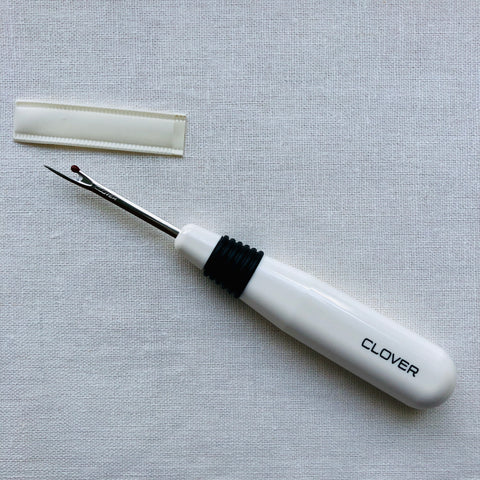 Clover Seam Ripper 482 in White