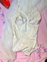 Load image into Gallery viewer, Vintage Off-white Body Suit (XL/C48)