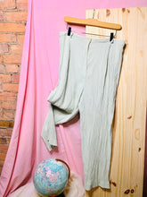 "Load image into Gallery viewer, High-waisted Pastel Green Crinkle Slacks (34"")"