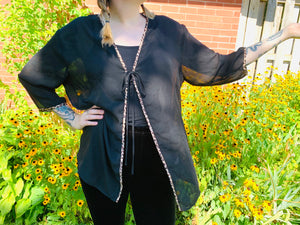 sheer shawl lined with leopard details (L)