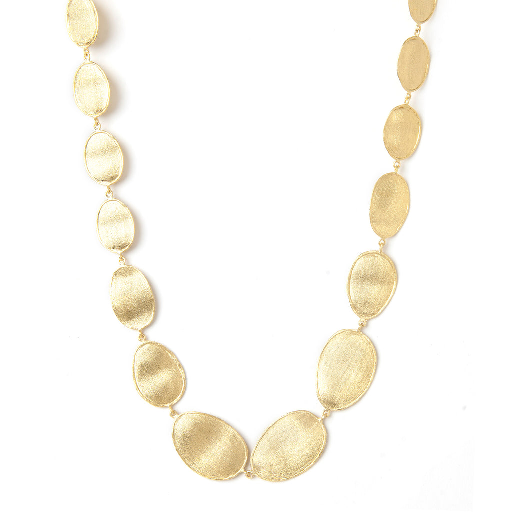 Satin Wavy Oval Necklace