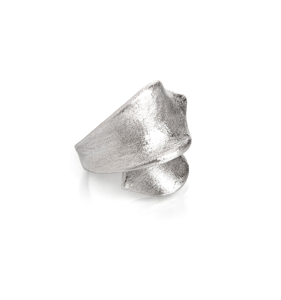 Rhodium Ribbon Ring