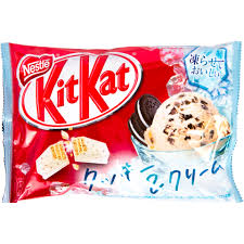 KitKat Mini Frozen Cookies and Cream