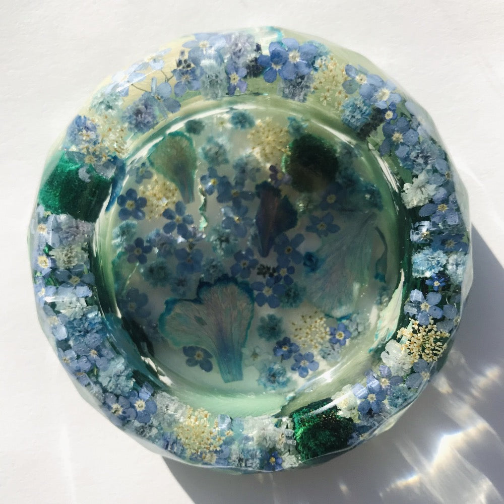 Eau Claire Resin Flower Ashtrays