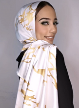 Load image into Gallery viewer, Marble Luxx Hijab- Snow | Best Hijab Online Singapore