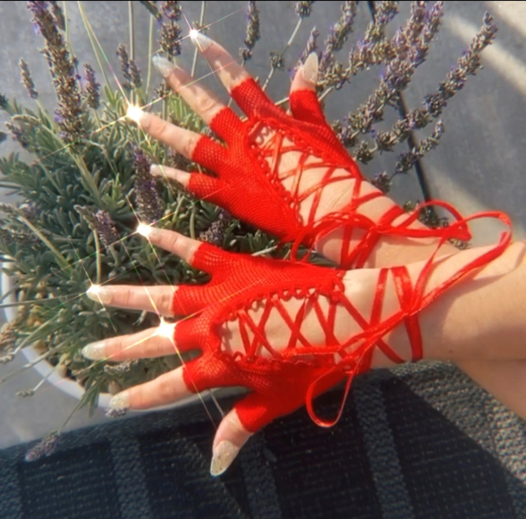 Rojo Lace Up Gloves