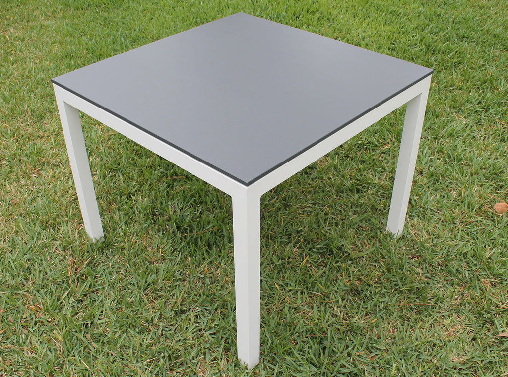 "respondé Jug Indoor/Outdoor Square Table 40"" Square"