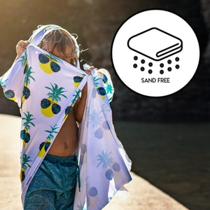 Hooded UPF 50+ Sunscreen Towel - Rainbows