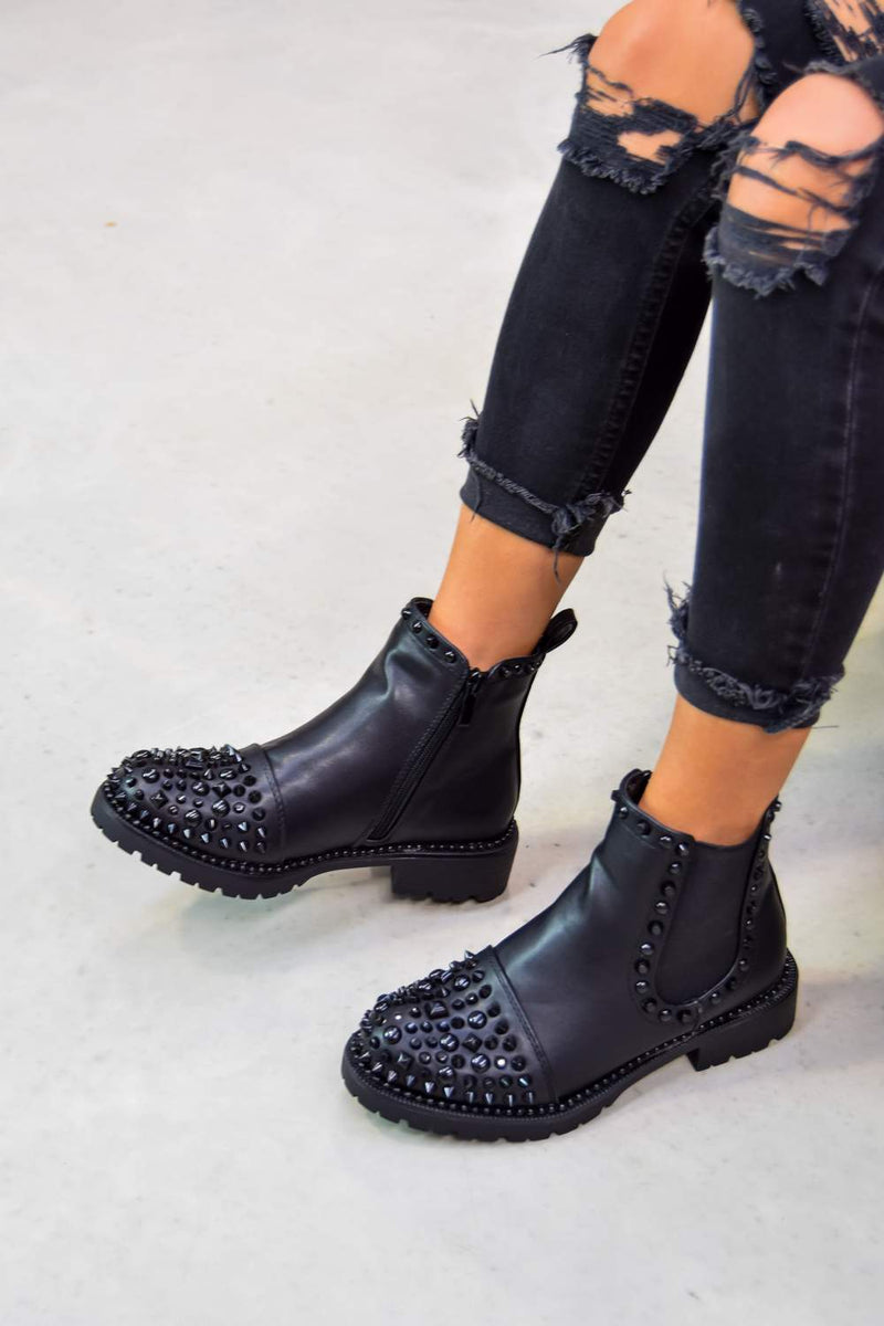 ALIAH Spike Studded Chelsea Ankle Boots - Black - 2