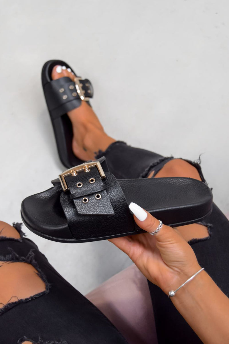 BRING IT Chunky Buckle Sandals - Black