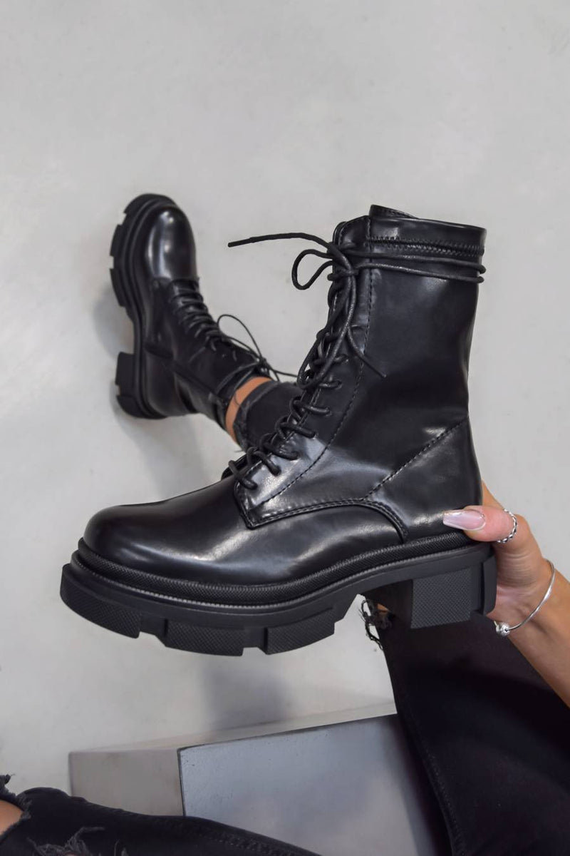 KEEP IT Chunky Lace Up Ankle Boots - Black