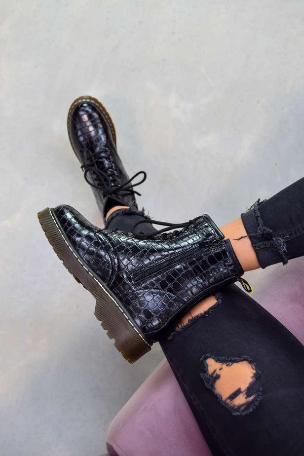 MOVE UP Platform Lace Up Ankle Boots - Black Croc