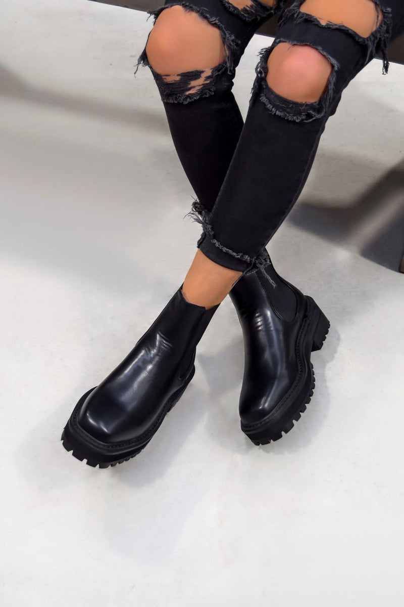 REYNA Chunky Platform Chelsea Ankle Boots - Black PU - 2