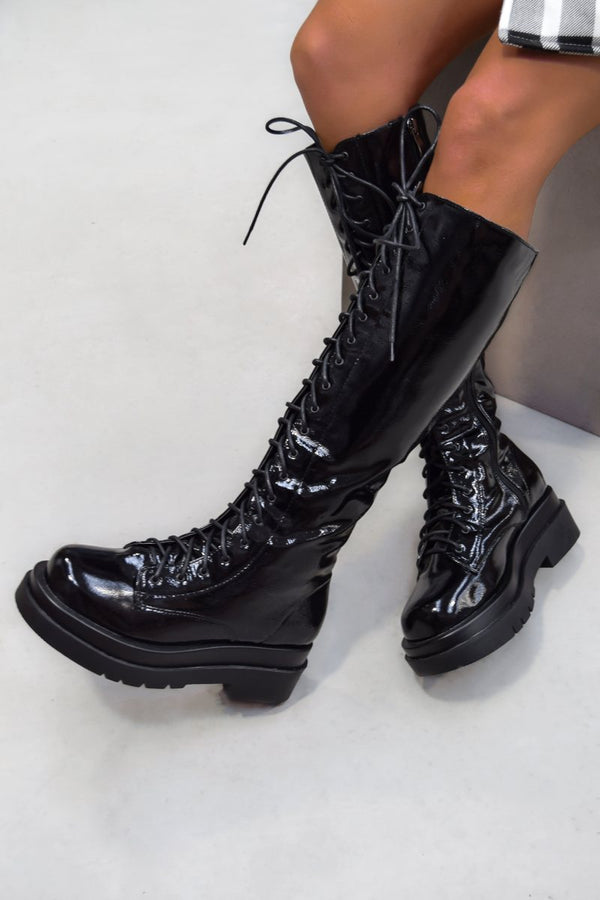 SHOW DOWN Chunky Knee High Boots - Black Patent