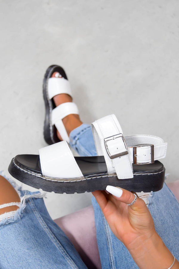 STAND BY Chunky Buckle Sandals - White