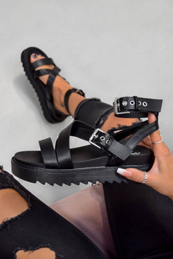 STRIKE IT Chunky Buckle Gladiator Sandals - Black