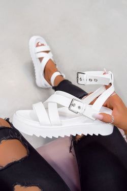 STRIKE IT Chunky Buckle Gladiator Sandals - White