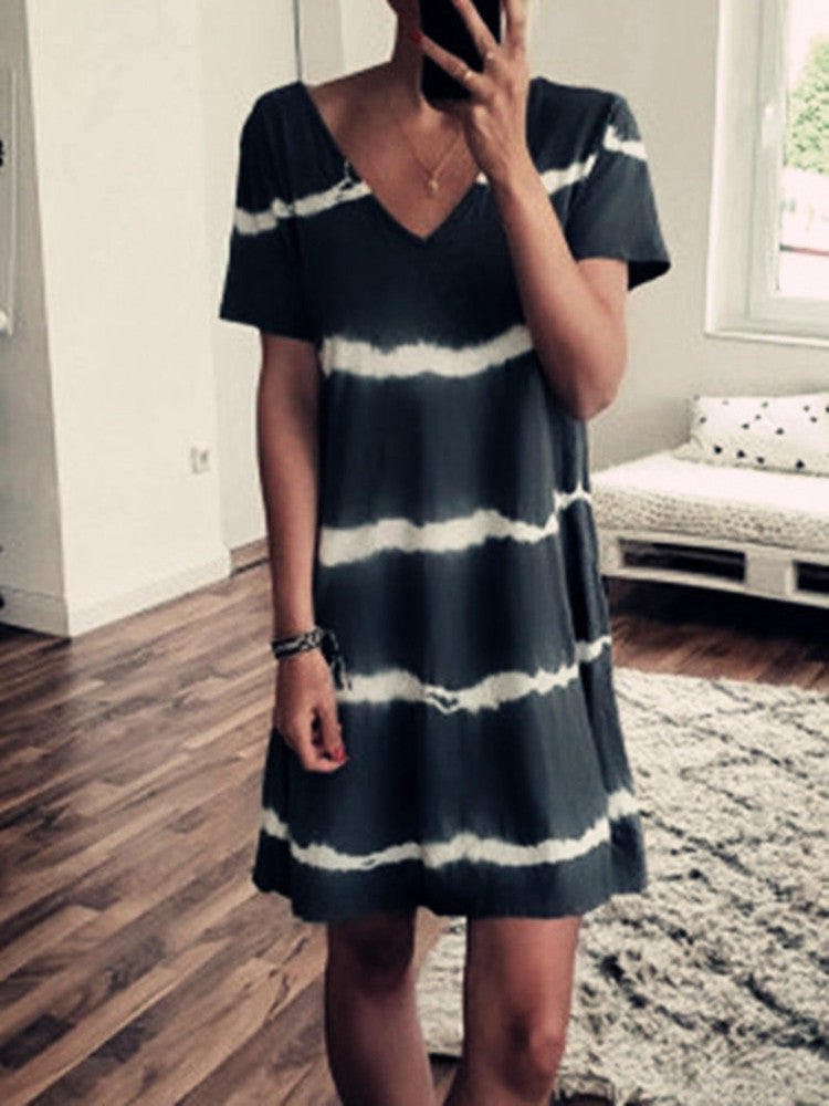Short-Sleeve V-neck Loose Print Dress - JNjeans