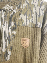 Load image into Gallery viewer, Mossy Oak Gamekeepers Sweater XL