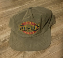Load image into Gallery viewer, Filson tin cloth hat