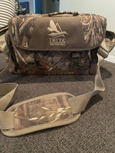 Load image into Gallery viewer, Delta Waterfowl floating Blind Bag