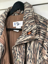 Load image into Gallery viewer, Columbia Bottomlands Jacket (M/L)
