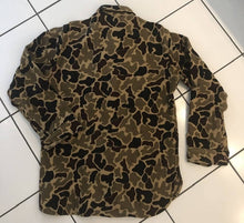 Load image into Gallery viewer, Woolrich Vintage Duck Camo Wool Shirt (M)