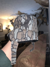 Load image into Gallery viewer, Cabela's Trapper Hat (M)
