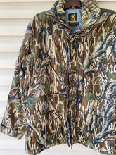 Load image into Gallery viewer, Browning Mossy Oak Jacket (XL)