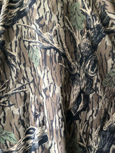 Load image into Gallery viewer, Columbia Mossy Oak Jacket (XL)