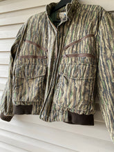 Load image into Gallery viewer, Rut Daniels Style Realtree Jacket (M/L)
