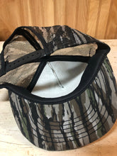Load image into Gallery viewer, Buckmasters Realtree Trucker Cap