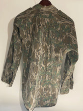 Load image into Gallery viewer, Mossy Oak Greenleaf Shirt (M/L)