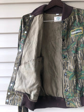 Load image into Gallery viewer, Camoretro Mossy Oak Greenleaf Bomber Jacket (M)