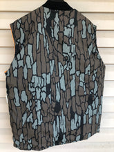 Load image into Gallery viewer, Reversible Trebark Vest (L/XL)