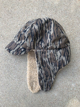 Load image into Gallery viewer, Columbia Bottomlands Sherpa Hat (L-XL)